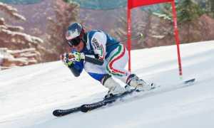 sci discesa slalom porta